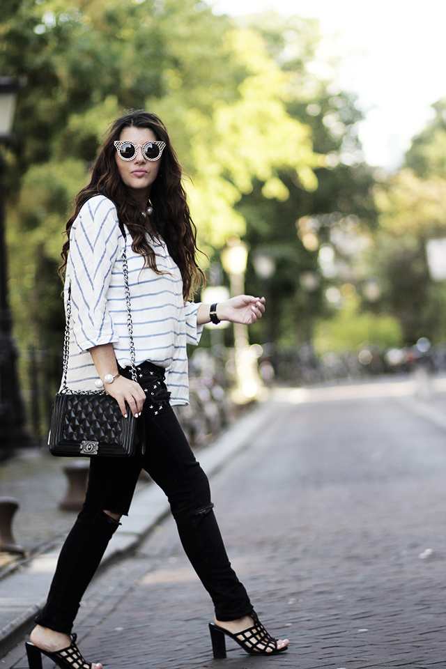 Striped blouse - Ripped jeans - Singlasses Zerouv - Captive heels - nelly - Utrecht19