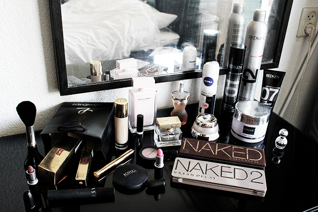 16. Make-up, parfum, cremetjes & haarproducten ect