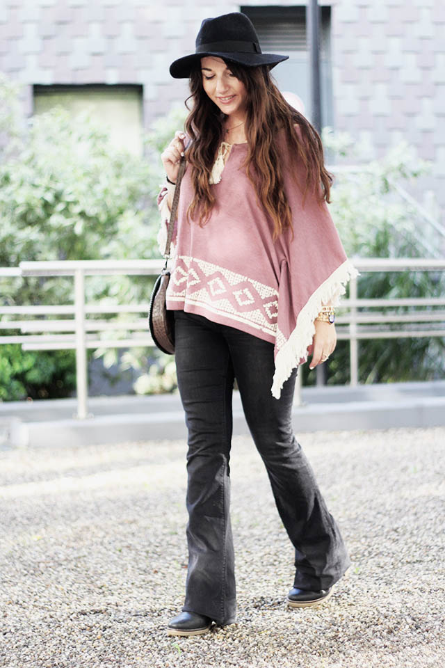 C&A top - Flared jeans - Duo Boots - beadsbyromy bag 5