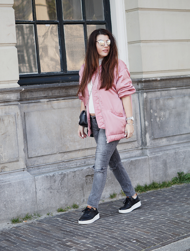 pink bomber jacket mango - loavies top - only jeans - mag sympassneakers - furla bag 30