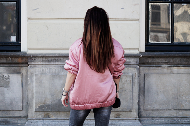 pink bomber jacket mango - loavies top - only jeans - mag sympassneakers - furla bag 33