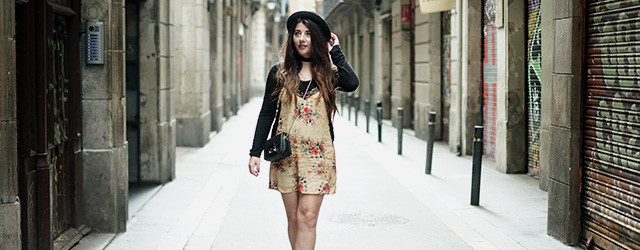 zara-dress-vanharen-shoes-furla-streets-of-barcelona-12